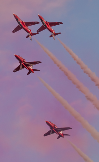 Mirror Pass, Red Arrows, Hampshire, by Andrew Jones